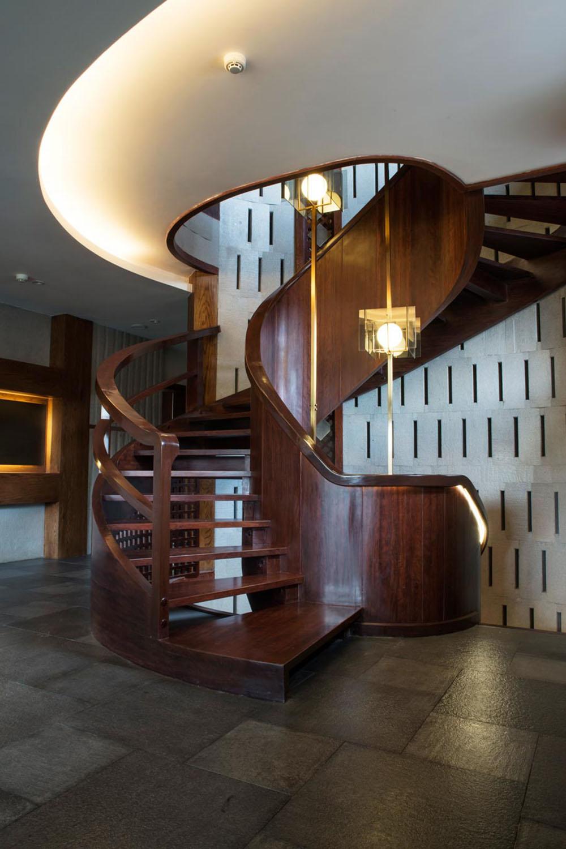 lijiang_villa_dotamdesign_spiral_stairs_1